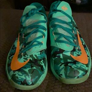 Nike boys or girls KD tennis shoes